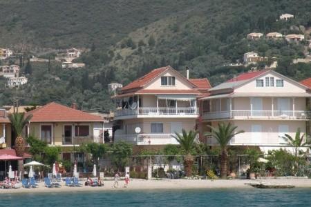 Apartmánový Dům Theodoros)