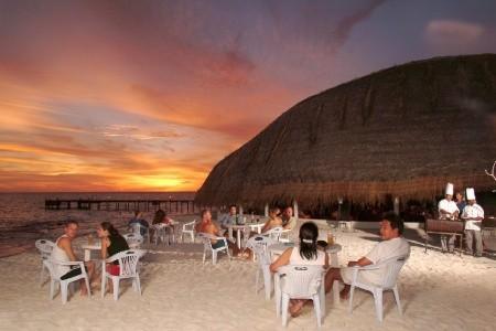 Angaga Island Resort & Spa, Maledivy, Atol Ari