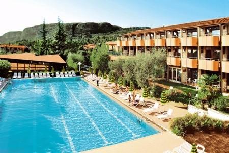Hotel Royal S Bazénem Ch – Garda / Lago Di Garda Polopenze