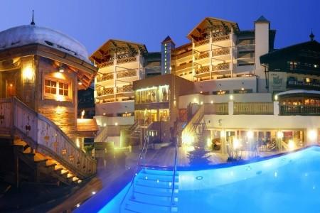 Hotel The Alpine Palace