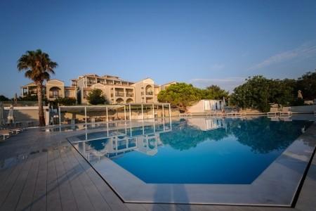 Hotel The Bay & Suites - letní dovolená u moře