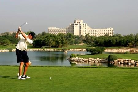 Ja Jebel Ali Beach Hotel - v dubnu