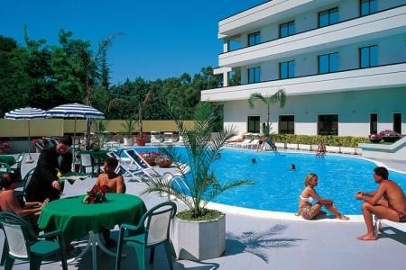 Hotel Clorinda - D