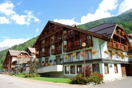 Hotel Parco Dello Stelvio **** - Zima 2020/21 - Val di Sole - Itálie
