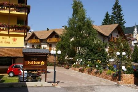 Hotel Dal Bon - 5Denní Lyžařský Balíček Se Skipasem A Doprav - Last Minute a dovolená
