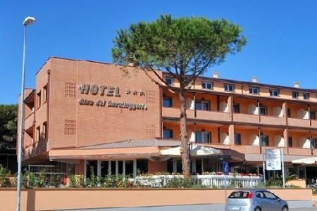 Hotel Riva Dei Cavalleggeri S Bazénem Mk - Marina Di Bibbona, Itálie, Toskánsko