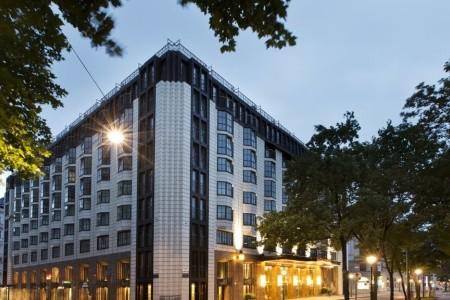 Hilton Vienna Plaza Snídaně