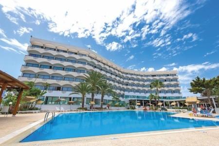 Hotel Crystal Springs