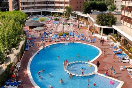 Hotel California Garden - v červenci