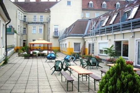 Hotel In Hernals Snídaně