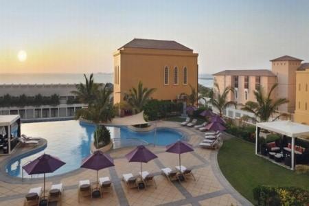 Mövenpick Hotel Jumeirah Beach Snídaně