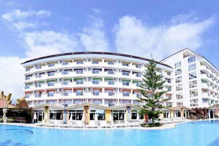 First Class Hotel