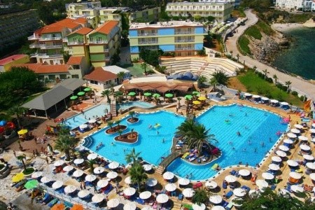 Aquapark Eri Beach & Village Hotel