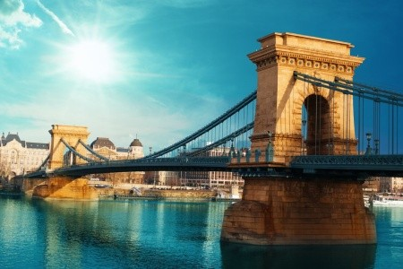 Budapešť, Památky A Termály A Györ