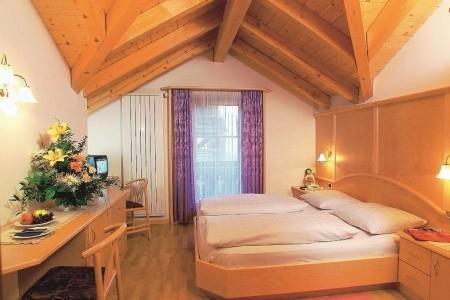 Hotel Mesavia Itálie Val Gardena last minute
