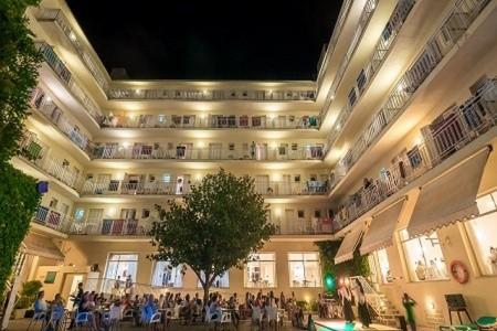 Hotel Checkin Pineda Plná penze