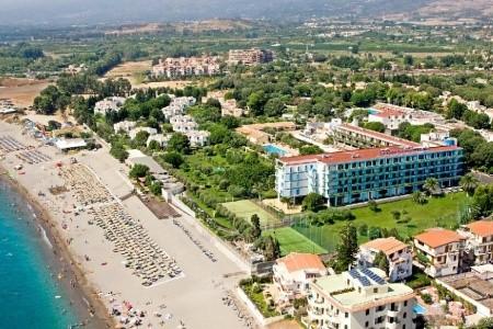 Atahotel Naxos Beach Resort - letecky all inclusive
