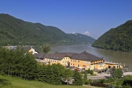 Hotel Donauschlinge Polopenze