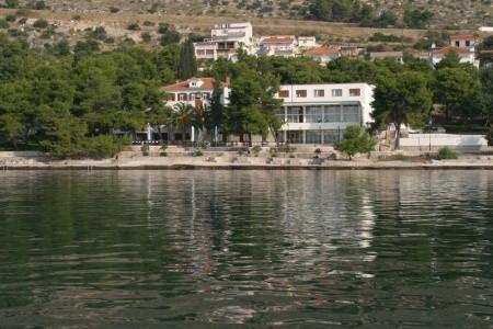 Hotel Pavilony Depandance Jadran, Trogir Polopenze