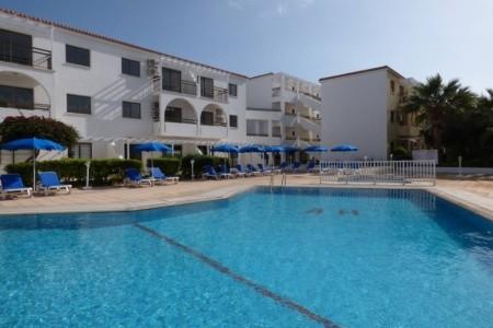 Amore Hotel Apts Plná penze