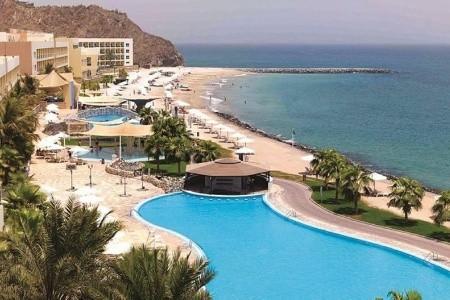 Radisson Blu Fujairah Resort - Se Smartwings