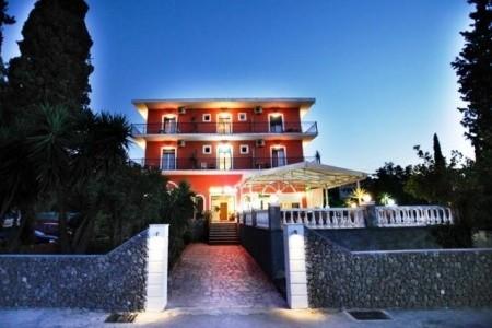 Pyrros-Hotel
