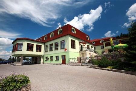 Česká republika - Východní Čechy / Wellness Hotel Vyhlídka - Náchod