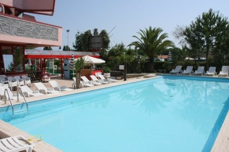 Hotel Onda S Bazénem Pig – Silvi Marina - v srpnu