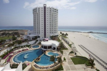 Krystal Grand Punta Cancún