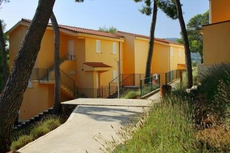 Chorvatsko - Hvar / Adriatiq Resort Fontana Apartments**/****