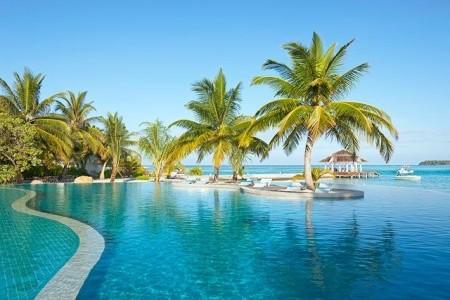 Holiday Inn Resort Kandooma, Maledivy,