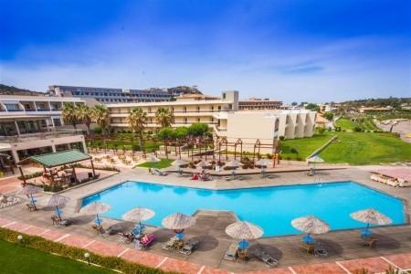 Lutania Beach Hotel