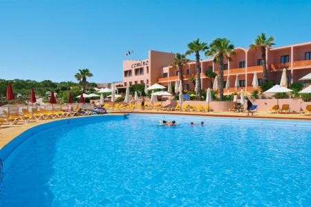 Hotel & Bungalows Comino