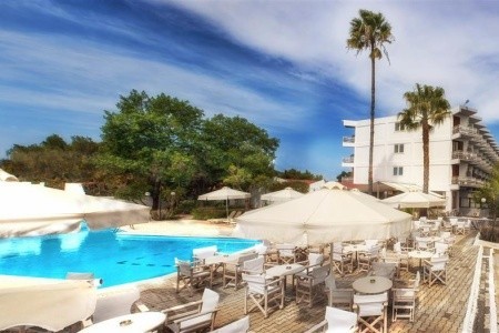 The Grove Seaside Hotel