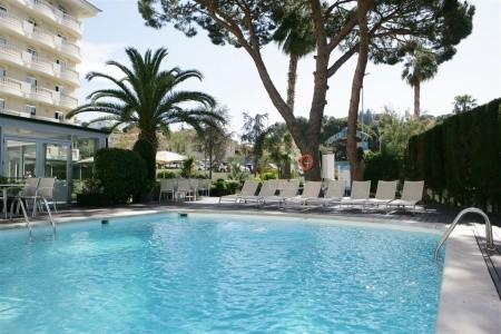 Hotel Alegria Fenals Mar (Dříve Savoy Beach Club) - na pláži