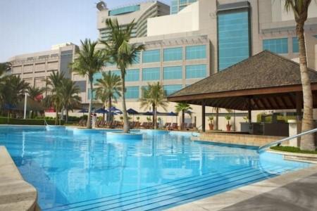 Shangri-La Hotel Abu Dhabi - luxusní dovolená