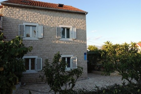 Apartments Guerieri / A1 Mali Two Bedroom, Chorvatsko, Brač