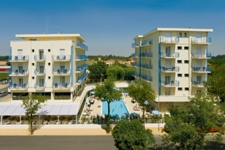 Lido Di Jesolo, Hotel Miami*** S Bazénem