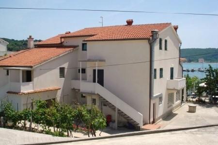 Apartments Raffaello / One Bedroom A10 - v listopadu
