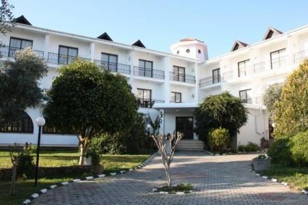 Kypr - Severní Kypr / The Ship Inn Hotel