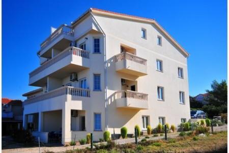 Villa Jurac - Povljana - ubytování