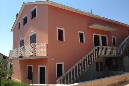 Apartments Mira - levně