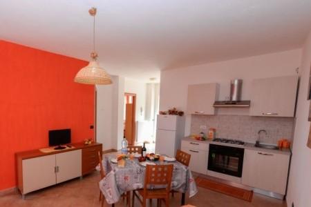 Itálie - Kalábrie / Orange In Villa