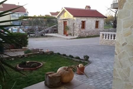 Chorvatsko - Zadar / Apartments Mirjana / A1 / Two Bedrooms