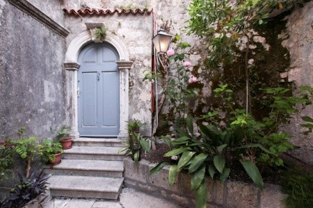 Vila Guinio House