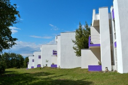 Ostrov Krk, Malinska - Apartmánový Resort Lavande - autem