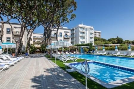 Hotel Excelsior S Bazénem Pig– Lido Di Jesolo - hotely