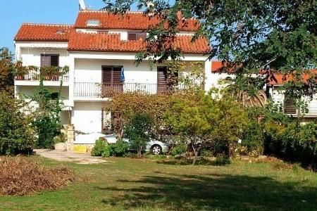 Vila Stjepan - Apartmány A Izby, Chorvatsko, Biograd Na Moru