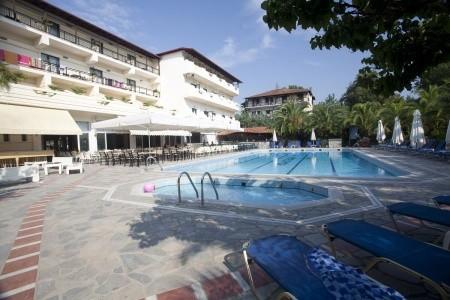 Hotel San Panteleimon)