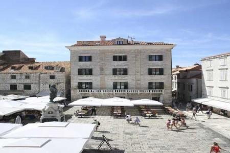 Pucić Palace - Dubrovnik - v září
